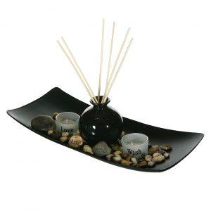 Ukrasni set, drvena posuda, mirišljavi štapići i sveće
