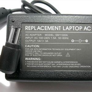 Punjac za laptop za SM 14V 3A 6.5x4.4 pin SM11300A 2