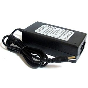 Univerzalni punjac za laptop HQ-60W 12V 5A sa LCD-om (5.5x2. 2