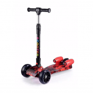 Trotinet Scooter 2019 sa vodenim raketama i zvucnim efektima4